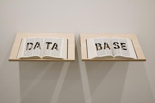 """Bancos de dados """"anonimizados"""" são tema de discussão na consulta pública. Imagem: Michael Mandiberg / CC BY-SA 2.0"""