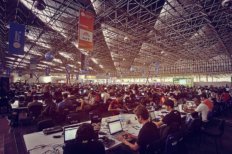 As consultas públicas foram o assunto nos debates da Campus Party 2015, realizada em São Paulo. Imagem: Marcio de Assis.