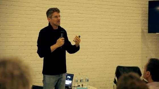 A palestra de Carlo Ratti (MIT) e os debates sobre tecnologias e cidades foram registrados em vídeo.